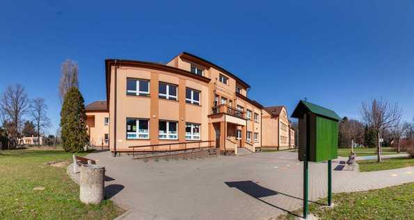 Masarykova základní škola Újezd nad Lesy